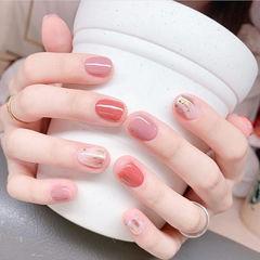 圆形粉色豆沙色手绘晕染跳色ins美图分享,想学美甲咨询微信mjbyxs6哦~美甲图片