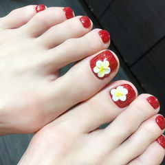 脚部红色白色黄色雕花新娘ins美图分享,想学美甲咨询微信mjbyxs6哦~美甲图片