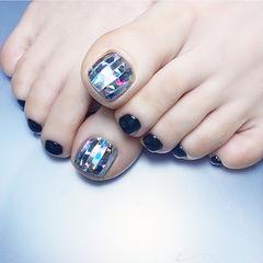 脚部黑色银色韩式美甲图片