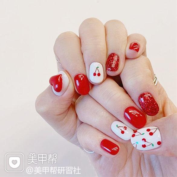 圆形红色白色手绘樱桃水果夏天ins美图分享,想学美甲咨询微信mjbyxs6哦~美甲图片