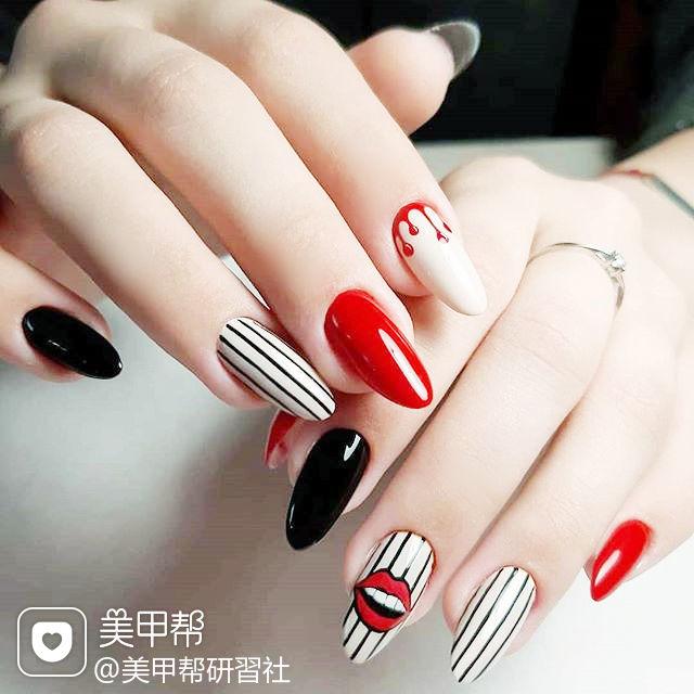 圆形红色黑色白色手绘条纹跳色ins美图分享,想学美甲咨询微信mjbyxs6哦~美甲图片
