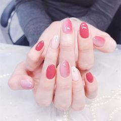 圆形红色粉色白色竖形渐变美甲图片