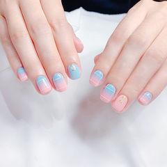 方圆形粉色蓝色渐变线条美甲图片