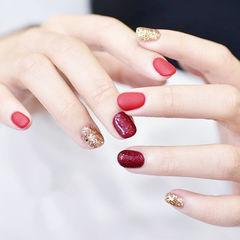 圆形红色金色磨砂跳色新娘美甲图片