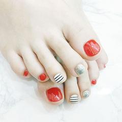脚部红色白色银色条纹跳色美甲图片