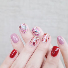 方圆形红色粉色贝壳片美甲图片