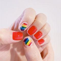 方圆形红色蓝色黄色手绘彩虹夏天美甲图片