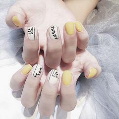 方圆形黄色白色黑色手绘树叶ins美图分享,想学美甲咨询微信mjbyxs6哦~美甲图片