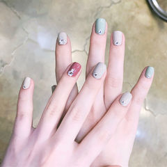方圆形豆沙色灰色绿色跳色钻美甲图片