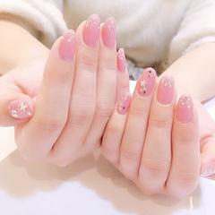 圆形粉色银箔亮片简约美甲图片
