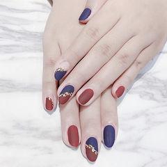 圆形红色蓝色斜法式金箔磨砂美甲图片