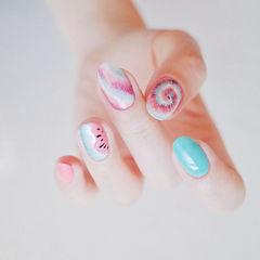 圆形蓝色粉色手绘晕染水果西瓜美甲图片