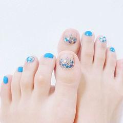 脚部蓝色亮片夏天美甲图片
