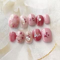 圆形红色粉色晕染干花贝壳片金箔美甲图片