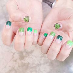 方圆形绿色手绘可爱心形法式美甲图片