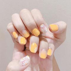 方圆形黄色白色手绘雏菊简约美甲图片