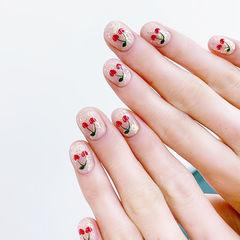 圆形红色银色手绘水果樱桃夏天美甲图片