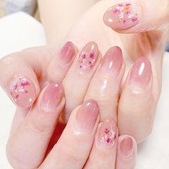 圆形粉色渐变干花新娘简约上班族美甲图片