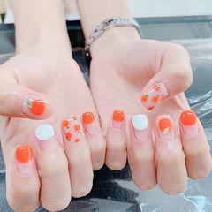 方圆形橙色白色手绘水果圆法式夏天想学习这么好看的美甲吗?可以咨询微信mjbyxs3哦~美甲图片