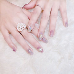 圆形粉色水波纹珍珠想学习这么好看的美甲吗?可以咨询微信mjbyxs3哦~美甲图片