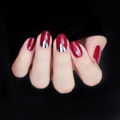 圆形红色倒V法式新娘简约想学习这么好看的美甲吗?可以咨询微信mjbyxs3哦~美甲图片