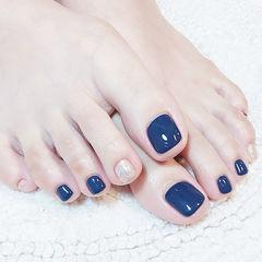 脚部蓝色银色跳色夏天想学习这么好看的美甲吗?可以咨询微信mjbyxs3哦~美甲图片