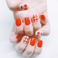 方圆形红色白色手绘水果樱桃格纹想学习这么好看的美甲吗?可以咨询微信mjbyxs3哦~美甲图片