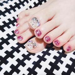脚部粉色白色钻想学习这么好看的美甲吗?可以咨询微信mjbyxs3哦~美甲图片