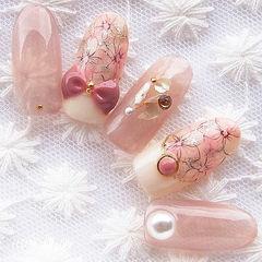 圆形粉色裸色手绘花朵蝴蝶结雕花钻珍珠美甲图片