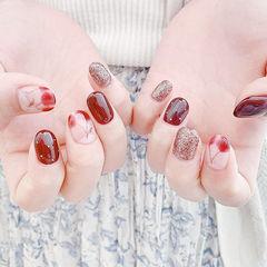 圆形红色金色手绘水果樱桃想学习这么好看的美甲吗?可以咨询微信mjbyxs6哦~美甲图片