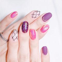 圆形紫色玫红色网纹磨砂碎玻璃想学习这么好看的美甲吗?可以咨询微信mjbyxs6哦~美甲图片