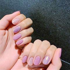 圆形粉色紫色跳色简约想学习这么好看的美甲吗?可以咨询微信mjbyxs6哦~美甲图片