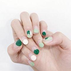 圆形绿色白色圆法式手绘想学习这么好看的美甲吗?可以咨询微信mjbyxs6哦~美甲图片
