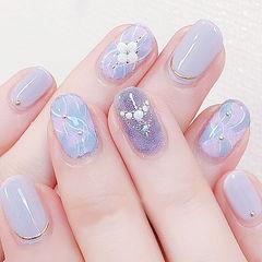 圆形紫色晕染珍珠想学习这么好看的美甲吗?可以咨询微信mjbyxs6哦~美甲图片