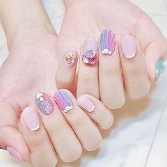 圆形裸色紫色珍珠贝壳想学习这么好看的美甲吗?可以咨询微信mjbyxs6哦~美甲图片