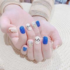 圆形蓝色白色手绘可爱想学习这么好看的美甲吗?可以咨询微信mjbyxs6哦~美甲图片