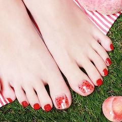 脚部红色亮片新娘显白想学习这么好看的美甲吗?可以咨询微信mjbyxs6哦~美甲图片