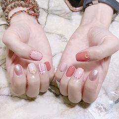 方圆形粉色银色格纹想学习这么好看的美甲吗?可以咨询微信mjbyxs6哦~美甲图片