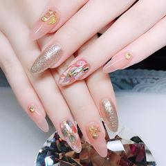 尖形粉色银色贝壳片金属饰品想学习这么好看的美甲吗?可以咨询微信mjbyxs6哦~美甲图片