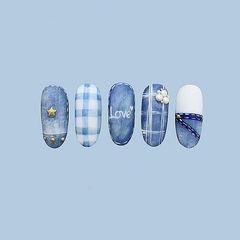 圆形蓝色白色手绘格纹牛仔磨砂珍珠美甲图片