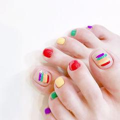 脚部红色黄色绿色紫色手绘彩虹跳色夏天想学习这么好看的美甲吗?可以咨询微信mjbyxs6哦~美甲图片
