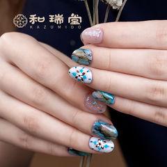青色蓝色石纹花朵日式圆形手绘晕染记忆型日式胶,卧倒也不流动。走近和瑞堂,一切美好即将在你的笔下发生。美甲图片