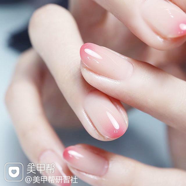 圆形粉色渐变简约上班族想学习这么好看的美甲吗?可以咨询微信mjbyxs6哦~美甲图片