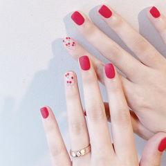 方圆形红色裸色手绘水果樱桃磨砂想学习这么好看的美甲吗?可以咨询微信mjbyxs6哦~美甲图片