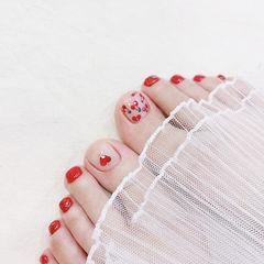 脚部红色手绘水果樱桃钻夏天想学习这么好看的美甲吗?可以咨询微信mjbyxs6哦~美甲图片