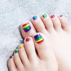 脚部红色黄色蓝色绿色彩虹跳色夏天美甲图片