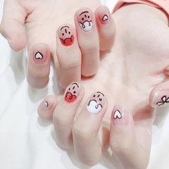 圆形红色白色手绘可爱笑脸韩式美甲图片