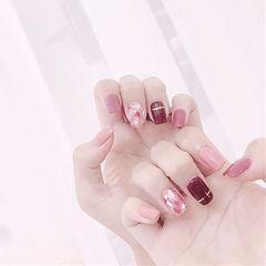 方圆形酒红色粉色晕染贝壳片金银线美甲图片
