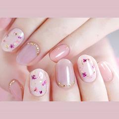 圆形粉色紫色干花夏天想学习这么好看的美甲吗?可以咨询微信mjbyxs6哦~美甲图片