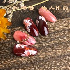 红色酒红色花朵日式圆形手绘记忆型日式胶,卧倒也不流动,给你丝缎般的涂刷体验感,818活动火热发售中! 美甲图片